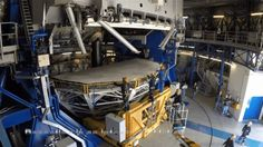 El complicado proceso de limpiar el gigantesco telescopio de 22 toneladas del desierto de Chile