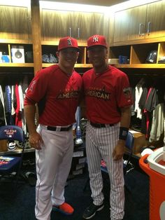 A boy and his idol: Mike Trout & Derek Jetter 2014 All-Star game Yankees Fan, New York Yankees, Angels Baseball, Mike Trout, American League, Love To Meet, Derek Jeter, One Pic, My Boys