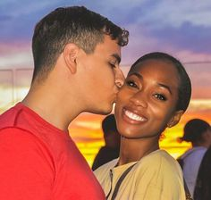 Best Swirl Dating Site for White Men and Black Women. Free WMBW dating site for white men seeking black women, black women looking for white men. Interracial Dating Sites, Interracial Love, Interracial Wedding, Cute Couples Goals, Couple Goals, Black And White Dating, Dating Black Women, Afro, Biracial Couples
