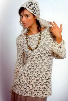 Stylish tunic Huge octagon motif at the center of the body, ringed and shaped with pentagon motifs and octagons for the sleeves. Crochet Tunic Pattern, Crochet Blouse, Crochet Lace, Crochet Winter, Crochet Woman, Crochet Clothes, Crochet Sweaters, Vintage Crochet, Filet Crochet