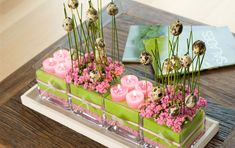 Florasis - Decoration with candles and eggs