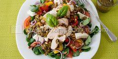Toskanischer Salat mit Basilikumpesto und Mozzarella