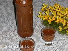 Fotorecept: Kávovo-čokoládový likér Alcoholic Drinks, Beverages, Hot Sauce Bottles, Destiel, Nutella, Smoothie, Food And Drink, Pudding, Sweets