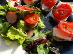 Pripravte si chutné Tapas s talianskym Provolone syrom ...www.vinopredaj.sk .....  #provolone #syr #cheese #fromagio #tapas #jedlo #dobrejedlo #food #inmedio #delikatesy #vinoteka #winebar #wineshop #delishop