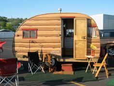 Kencraft Camper Trailer - This is an interesting paint job, I kind of love it!!!