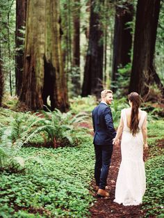 A Romantic Elopement in the Heart of the Woods | Perry Vaile Photography | http://heyweddinglady.com/fine-art-adventure-loving-redwood-elopement/