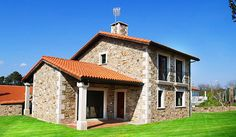 See related links to what you are looking for. House Design Pictures, Modern House Design, Style At Home, Mediterranean Homes Exterior, Hacienda Homes, Mexico House, Italian Villa, Stone Houses, House Plans