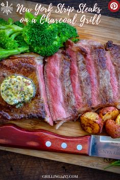 An easy method for grilling New York Strip Steaks on a Charcoal Grill. Keep it simple and season it up right, Dont overthink it. #newyorkstrip #grilledsteak #charcoalgrill #GrilledNewyorkstrip Barbecue Recipes, Grilling Recipes, Beef Recipes, Top Recipes, Quick Dinner Recipes, Side Dish Recipes, Steak Sides, Ny Strip Steak