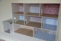 Cardboard Dollhouse, Dollhouse Toys, Cardboard Crafts, Barbie Furniture, Dollhouse Furniture, Blog Couture, Toy House, Barbie Doll House, Diy Toys