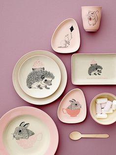 Ganz in rosa und mit niedlichen Tiermotiven- einfach zum dahin schmelzen.....