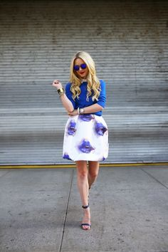 Chic In The City- Msgm White And Blue Lip Print Full A-line Midi Skirt by Atlantic - Pacific- Fashion Blogger Style, I Love Fashion, Etnia Barcelona, Blue Lips, Cool Outfits, Fashion Outfits, Blue Outfits, Fashion Trends, Beautiful Girl Photo