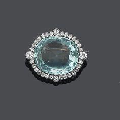 A late 19th century aquamarine and diamond brooch✨