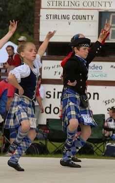Stirling 2007 - Highland Fling Love this style. We Are The World, People Of The World, Le Clan, Scottish People, Scottish Gaelic, Tartan Kilt, Highland Games, Dance Like No One Is Watching, Men In Kilts