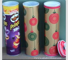 DIY Christmas Gift Packaging For Cookies. I'm going to have to steal this idea. They use muffin cups to separate cookies. diy gifts diy crafts diy christmas gifts for friends diy christmas gifts Noel Christmas, Christmas Goodies, Diy Christmas Gifts, All Things Christmas, Christmas Hacks, Christmas Wrapping, Christmas Boxes, Christmas Candy, Winter Christmas