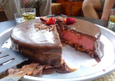 Mantraki Strawberry cake! - Τούρτα φράουλα από το Μαντράκι!