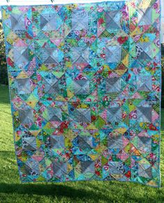A quarter square triangle quilt how to place the colours - good lesson