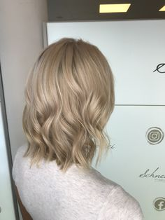 Blonde curls with GHD Blonde Curls, Ghd, Long Hair Styles, Beauty, Shaving Machine, Barbershop, Hairdressers, Dressmaking, Shaving