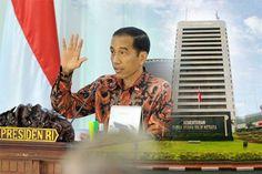 Presiden Joko Widodo meminta agar program yang dikerjakan kementerian dan lembaga dapat berkontribusi untuk pertumbuhan ekonomi, membuka lapangan pekerjaan, serta menekan kemiskinan dan ketimpangan...