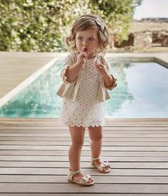 A cute collection of baby girl dresses definitely gorgeous designs and tones. baby girl dresses for wedding Winter Outfits For Girls, Little Girl Outfits, Little Girl Fashion, Fashion Kids, Toddler Fashion, Latest Fashion, Fashion Wear, Fashion Clothes, Fashion 2016