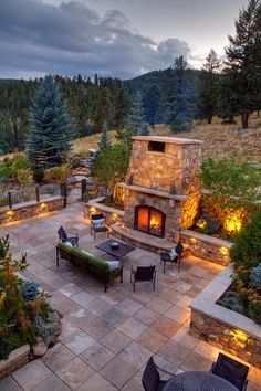 Backyard Garden Design, Patio Design, Backyard Patio, House Design, Fire Pit Landscaping, Home Landscaping, Large Homes Exterior, Outdoor Fireplace Patio, Fire Pit Plans