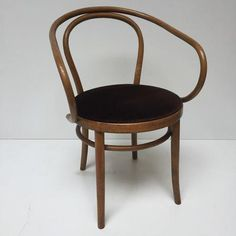 No B9 Le Corbusier thonet with upholstered seat