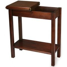 Chairside Storage Table | Sturbridge Yankee Workshop