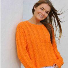 89747950b1c5 En orange drøm med lodrette snoninger og baner i perlestrik. For den let  øvede strikker