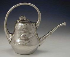 Polished pewter watering can with fish and snail decoration designed by Hugo Leven - Manufacturer: Kayserzinn, Germany, Art Nouveau Design, Art Deco, Iron Decor, Antique Pewter, Edwardian Era, Wood Art, Mama Image, Purses And Bags, Tea Pots