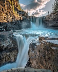 The best landscape photography ideas Nature Pictures, Cool Pictures, Beautiful Pictures, Night Pictures, Beautiful Places To Travel, Beautiful World, Beautiful Waterfalls, Beautiful Landscapes, Landscape Photography