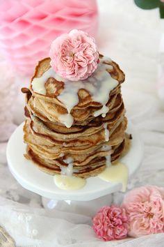 Apfel-Pancakes mit gezuckerter Kondensmilch