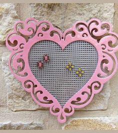 Porta brincos em formato de coração - Vale o Clique!