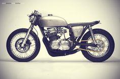 The Brat / Honda CB750 / Steel Bent Customs. Via photographer Erick Runyon's new site, Gears & Glory.
