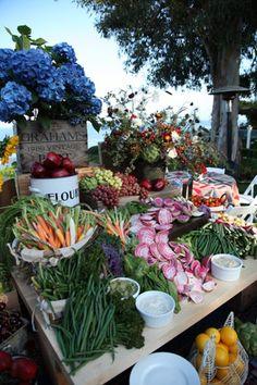 Lors d'une récente collecte de fonds de Barbra Streisand pour Heart Center de la femme Cedars-Sinai à Malibu, les clients eux-mêmes contribué à un fruit cru ...