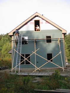 IMG_7954 Building Fails, Building A House, Wooden Scaffolding, Garage Car Lift, Porch And Balcony, Wooden Buildings, Lake Cabins, Wooden House, Home Security Systems