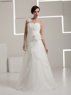 One Shoulder A Line Satin Wedding Dress with Tulle Floral Accent Brands:AmarantaFreeship:YESFabric:Satin/OrganzaFabric(main):WeddingTailoring Time (Standard):15-20 DaysTailoring Time (Rush Order):10-15 DaysSilhouette:A-LineNeckline:AsymmetricalShoulder Strap:One…