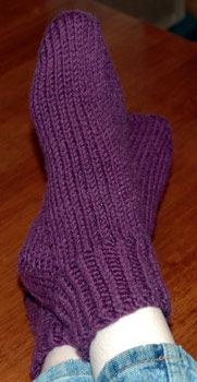 Bear Toes Free Knitting Patterns | Tropical Punch Slipper Socks
