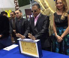 """Wilfrido Vargas es inmortalizado en el """"Paseo de las Luminarias"""", de México"""