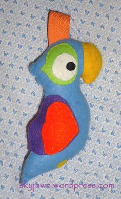 #Rassel #Papagei aus #Filz