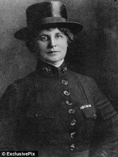 First nurse to join the U.S. Navy Nurse Corps: Lenah Higbee