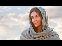 #Maria foi #agraciada por #Deus e #escolhida para ser a #mae de #Jesus #Cristo. Sua #humildade, #devocao e #forca é um grande #exemplo para todos nós. #maedeJesus #amor