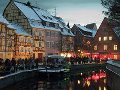 Le quai de la poissonnerie à noël - Office de Tourisme de Colmar
