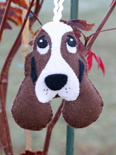 Super Cute Felt Basset Hound Dog Ornament ,  with image this could be a very cute mug rug--db