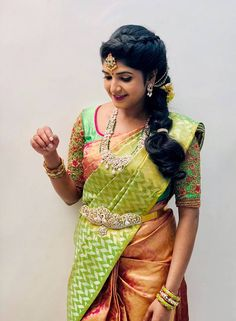 20 Best and Beautiful Indian Bridal Hairstyles for Engagement & Wedding Bridal Hairstyle Indian Wedding, South Indian Bride Hairstyle, Bridal Hairdo, Indian Bridal Hairstyles, Bridal Headpieces, Wedding Saree Blouse Designs, Fancy Blouse Designs, Gold Designs, Wedding Sarees