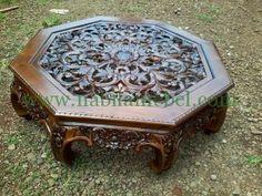 Meja Tamu Ukir Jepara merupakan produk furniture jepara yang diproduksi oleh pengrajin jepara berpengalaman
