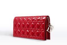 Pochette du soir en agneau verni rouge cerise - Maroquinerie Dior