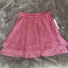 🆕Forever 21 Red Skirt Brand NEW with tags! Flowy red skirt with cream pattern design. Great for summer! Size large. Zipper on the side. I'm 5'5 and it hits at about the knee. Forever 21 Skirts Mini