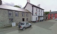 In the centre of Tregaron, the crisply Georgian frontage of Y Talbot makes a big impressio...