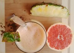 Exotic energy booster smoothie with propolis: no sweetener