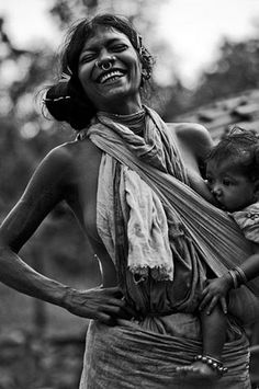 The beauty of breastfeeding and babywearing