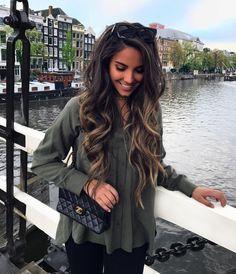 Hair goals like a MFer! Love Hair, Great Hair, Gorgeous Hair, Coiffure Hair, Hair Color And Cut, Haircuts For Long Hair, Haircut Styles, Brunette Hair, Brunette Highlights